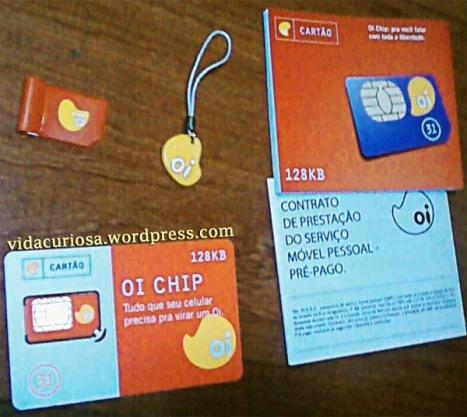 Kit com pingente e porta-chip (anterior ao da Oi)